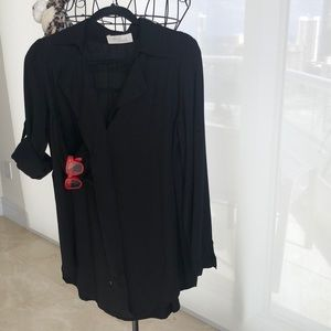 LENGTHY BLACK LS/BUTTON ROLL UP BLOUSE